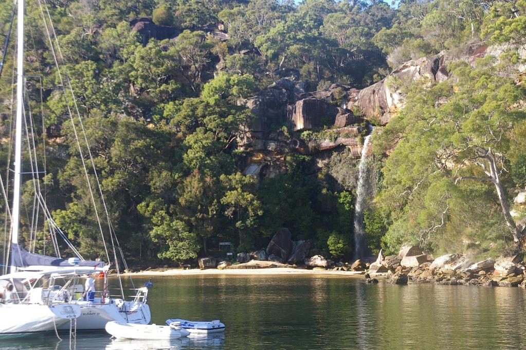 """Hawkesbury River Boat Hire, charters, kayak tours, houseboats"""